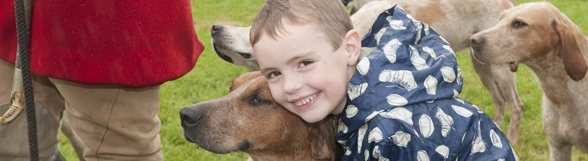 Boy with Buccleuch Hound 21160×319